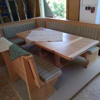 Tisch mit Tischverlängerung